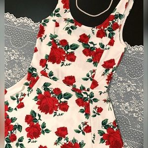 Rose print floral dress from H&M 🌹